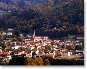 Splendide vue de Rupt-sur-Moselle, avec au fond la forêt de Longegoutte